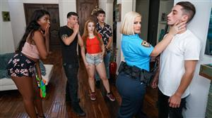 lilhumpers-20-01-14-julie-cash-partys-over-go-home.jpg