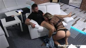 familyscrew-20-01-15-brothers-hires-old-and-young-strippers.jpg